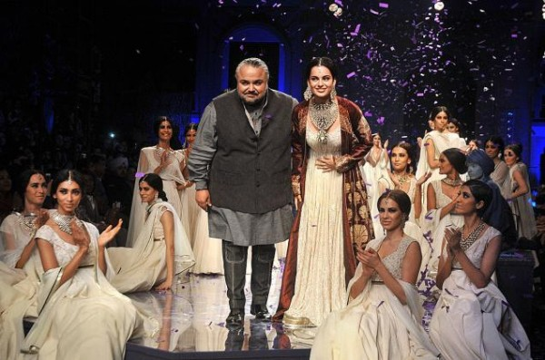 Grande Finale at Wills Lifestyle India Fashion Week 2012