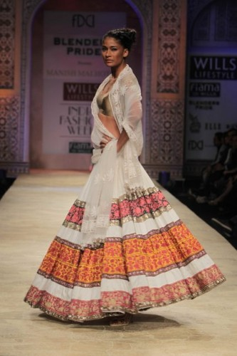Wills-Lifestyle-India-Fashion-Week-2012-Manish-Malhotra