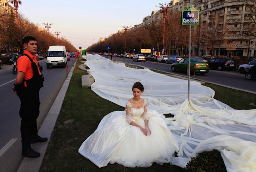 longest-wedding-dress-in-the-world