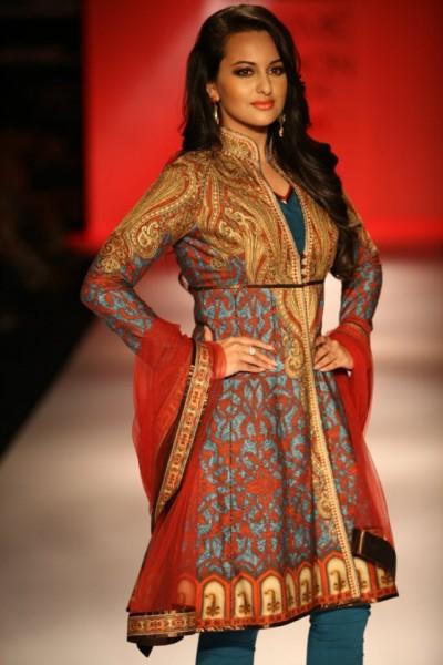 Sonakshi Sinha for Karmik at Lakme Fashion Week