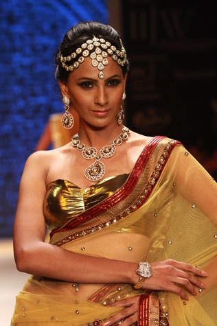 maang tikka on the runway at Fashion week in India