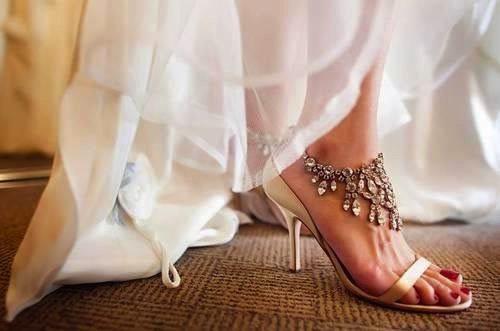 diamonds-high-heel-Indian-wedding-shoes