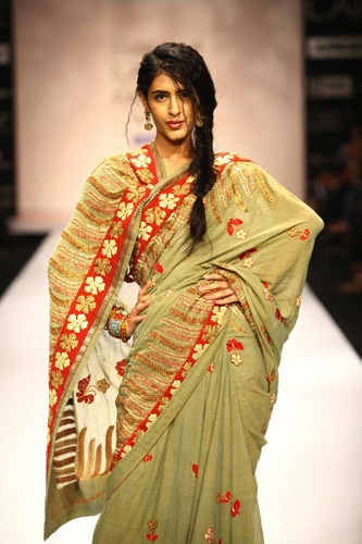 model in sashikant naidu at Lakme Fashion Week