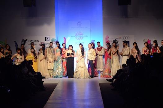 Anjalee & Arjun Kapoor at Pune Fashion week