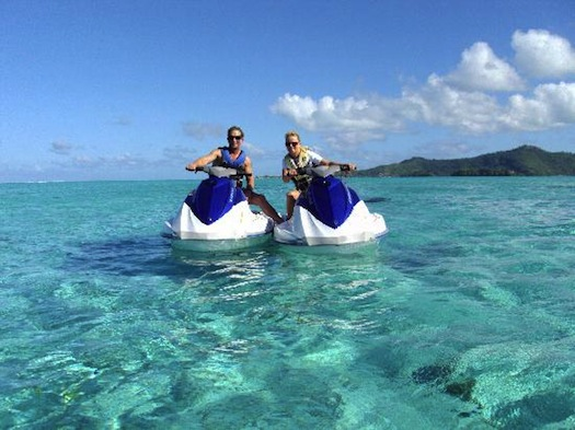 jet-skiing-in-bora-bora-water-sports