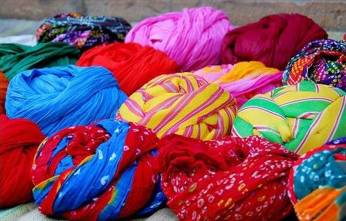 rajasthani-cap-safas used at Indian weddings