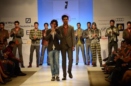 sanjay Hingu at Pune Fashion week 2012