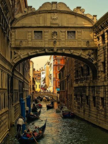 bridge f sighs in Venice