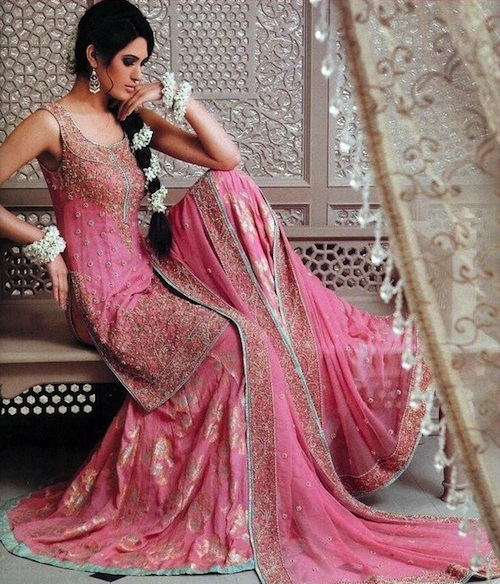 pink gharara mehendi