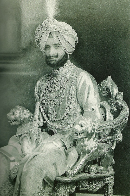 Indian Royalty wearing Patiala necklace