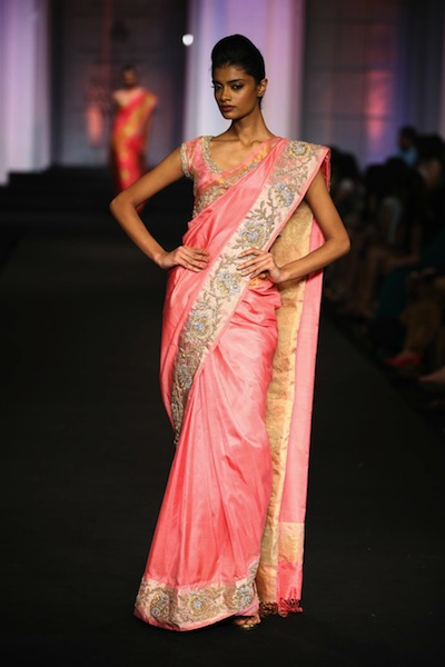 model on the ramp in Pallavi Jaikishan