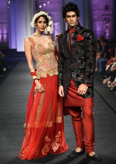 Models walk the ramp for Narendra Kumar at bridal week