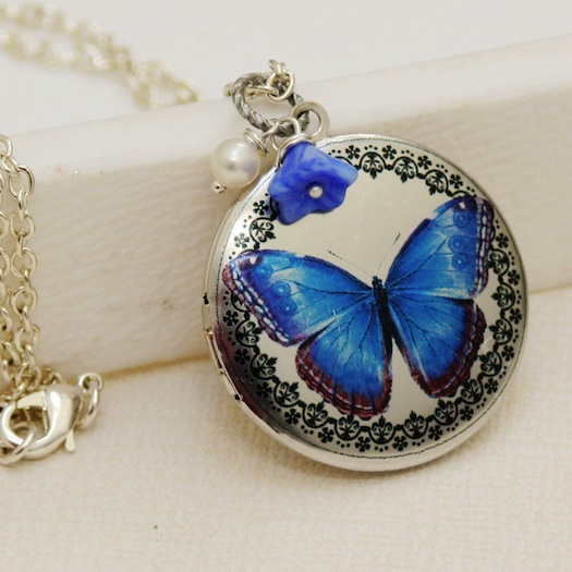 blue locket for wedding