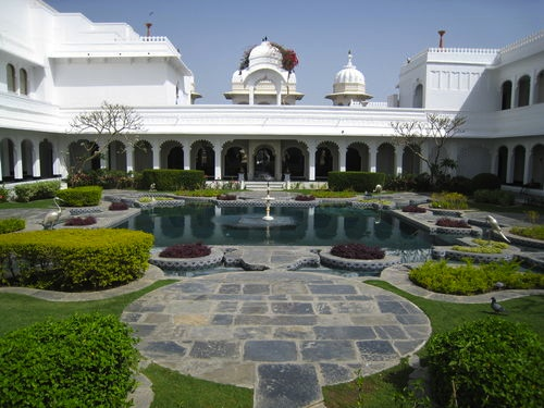 planning a wedding at lily pond at Taj Lake Palace in India