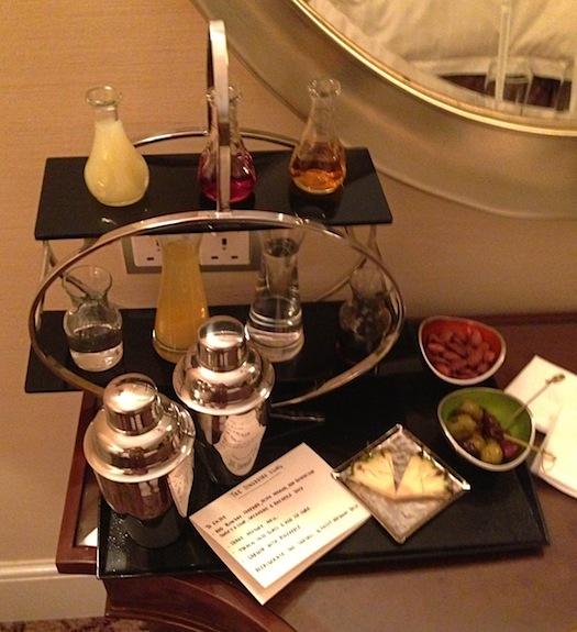 Singapore Sling at honeymoon suite of Four Seasons Singapore
